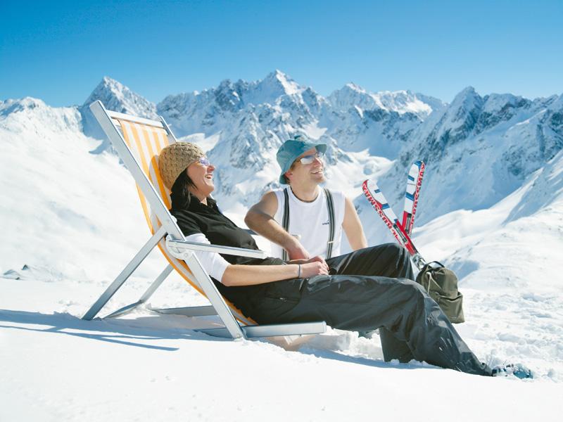 schnäppchen-skiurlaub-gletscher-sonne
